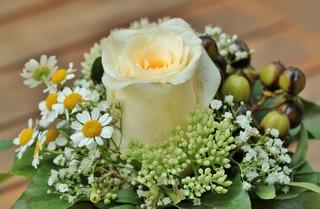 floral-arrangement-453709_1280.jpg