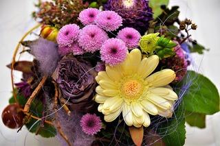 flowers-2900085_1280.jpg