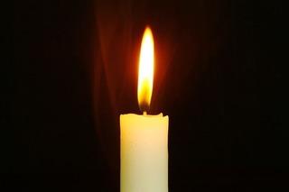 candle-759143_640.jpg