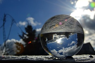 glass-ball-3939776_960_720.jpg