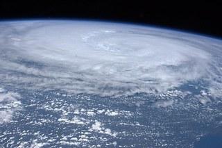 hurricane-11100__340.jpg
